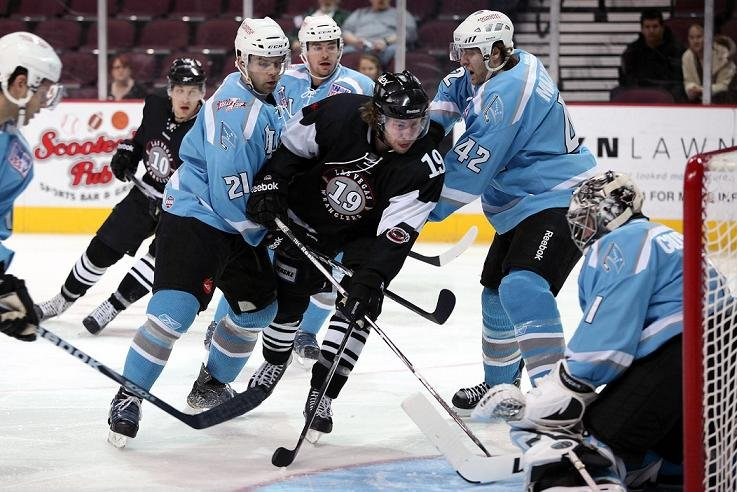 Robbie Smith takes a shot on goal against the Alaska Aces. (IIA Photography)