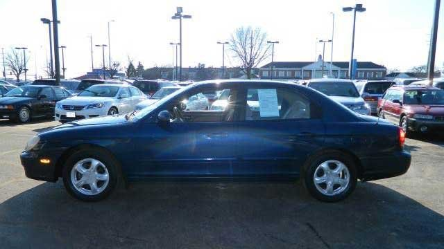 Police said Reyes took off in a blue 4-door Hyundai Sonata, like the one pictured. (LVMPD)