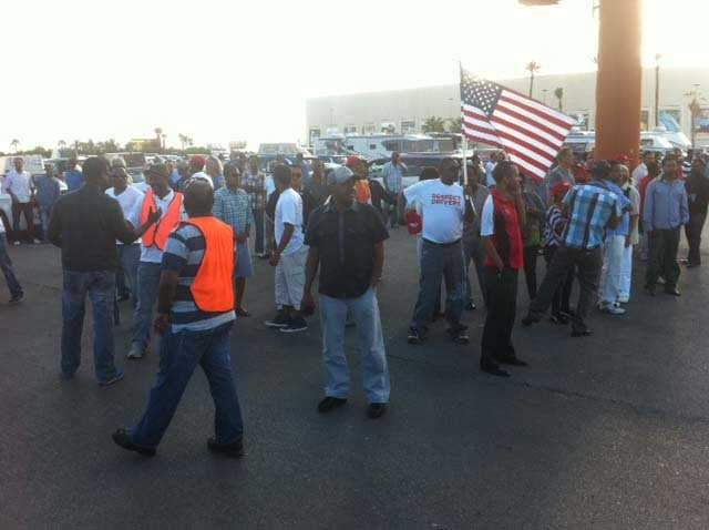 "Cab drivers protest at the Mandalay Bay Convention Center parking lot. (Chris ""Boze"" Anguay/FOX5)"
