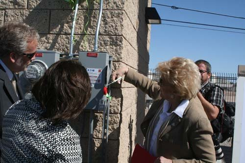 Las Vegas Mayor Carolyn Goodman symbolically flips the switch on the panels. (Courtesy: City of Las Vegas)