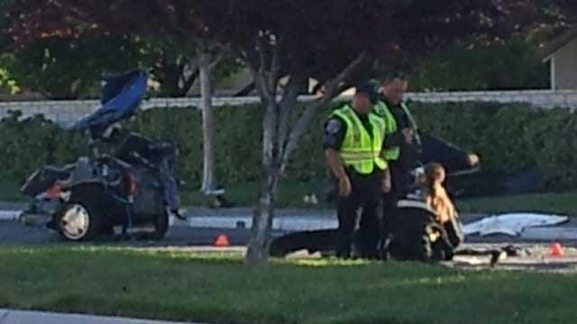 Major Crash Investigators probe the scene of a deadly crash on Camino Eldorado. (Armando Navarro/FOX5)