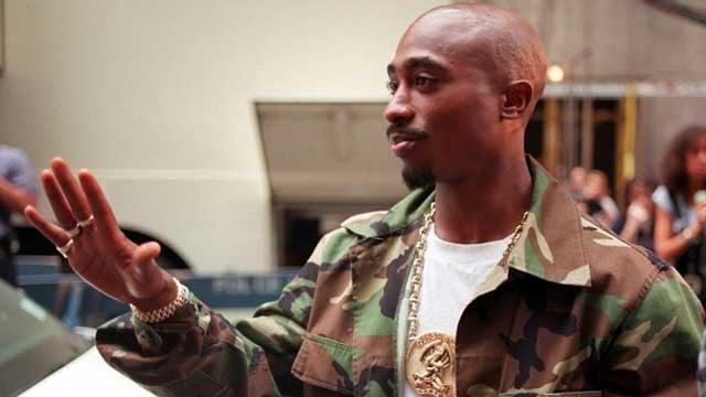 Rapper Tupac Shakur arrives at New York's Radio City Music Hall, Wednesday, Sept. 4, 1996. (AP Photo/Todd Plitt)