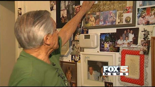Gaetano Benza, 88, has been waiting to visit the World War II Memorial in Washington. (FOX5)