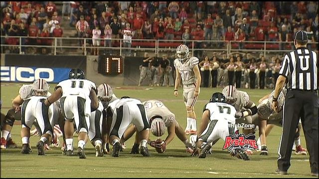 UNLV place kicker Nolan Kohorst lines up for the go-ahead game-winning field goal against Hawaii. (FOX5)