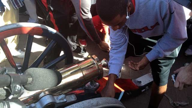 UNLV students celebrate the return of the Fremont Canon to campus on Monday. (Christian Cazares/FOX5)
