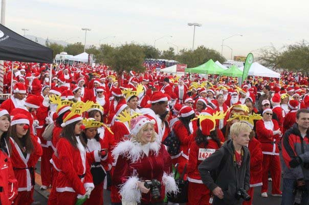 Runners participate in the 2009 Great Santa Run. (File/FOX5)