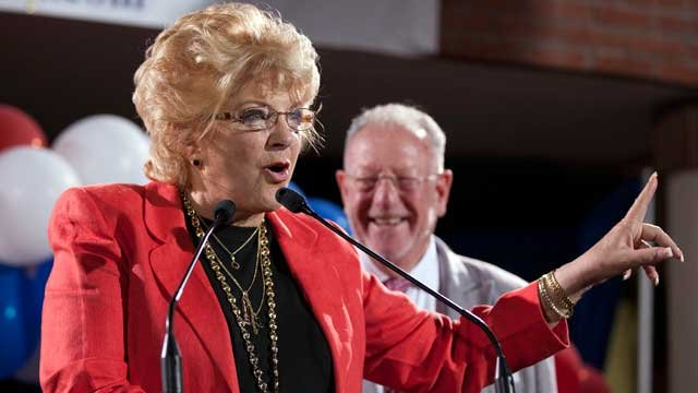 Carolyn Goodman, left, wife of then-Las Vegas mayor Oscar Goodman, right, speaks to supporters during an election night gathering, Tuesday, April 5, 2011, in Las Vegas. (Julie Jacobson/AP Photo)