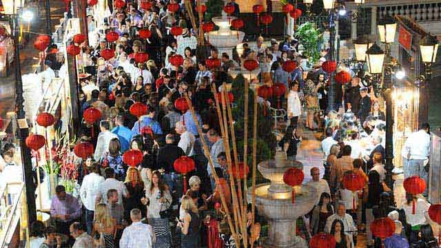 Guests enjoy Vegas Uncork'd at The Venetian Resort Casino on Thursday, May 8. (Source: Brian Jones/Las Vegas News Bureau)