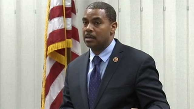In this undated image, Rep. Steven Horsford, D - Dist. 4, talks to constituents at a meeting. (File/FOX5)