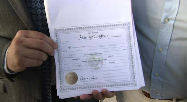 Clark co issues 40 licenses to begin same sex nuptials for Bureau licence