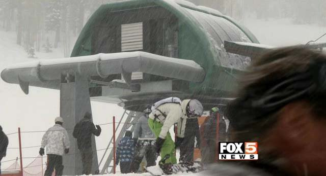 Skiers enjoy fresh snow at Lee Canyon on Monday, March 2. (FOX5)