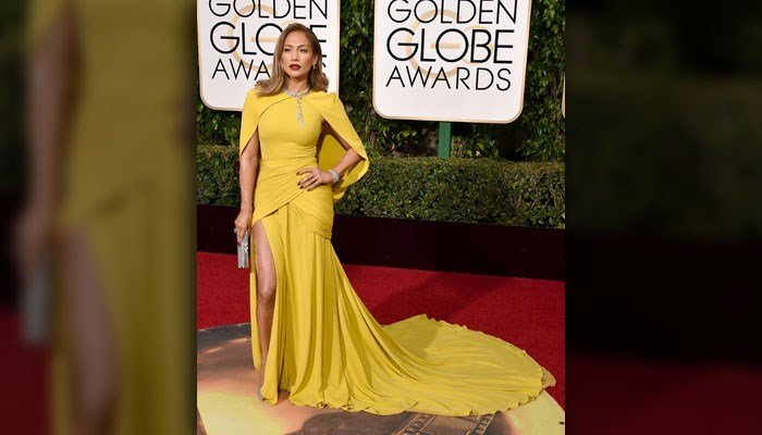 Jennifer Lopez arrives at the 73rd annual Golden Globe Awards on Sunday, Jan. 10, 2016, at the Beverly Hilton Hotel in Beverly Hills, Calif.  (Source:Jordan Strauss/Invision/AP)