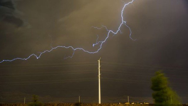 A severe thunderstorm with high winds and heavy rains hit the Las Vegas Valley Thursday night. (Photo: Keith Davis)